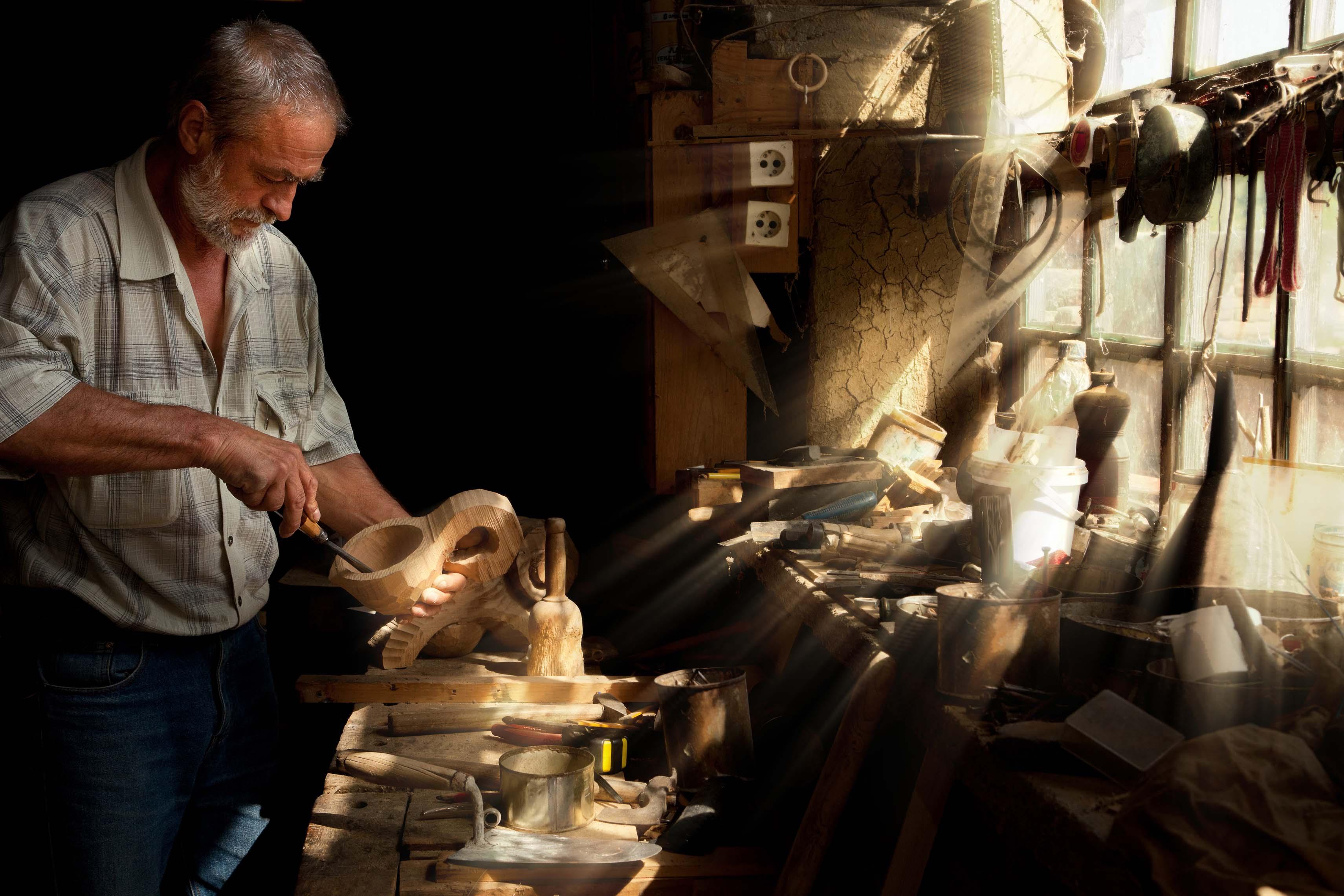 Artigianato finanziamenti agevolati fino a euro for Foto di case di artigiani
