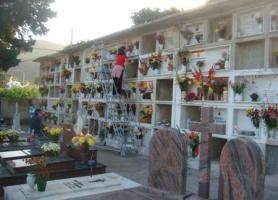 cimitero_tombe.JPG~C