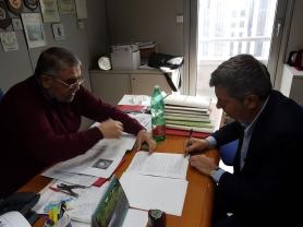 Sindaco Voza firma in Regione.JPG