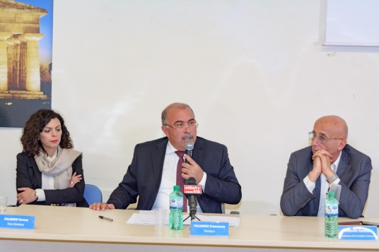 Sindaco Palumbo in conferenza stampa