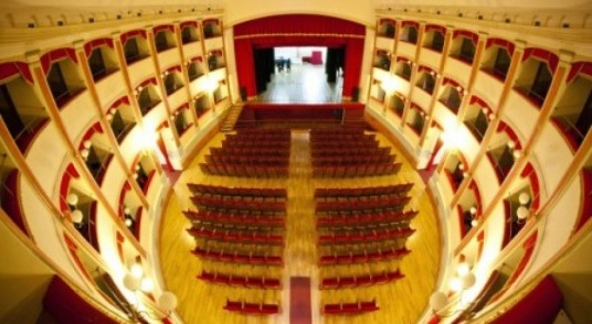 teatrotrifiletti2_744.jpg