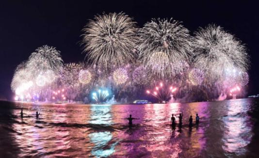 fuochi-artificio-mare-600x366.png