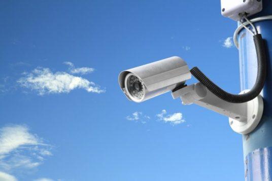 telecamera-di-sicurezza-696x464.jpg
