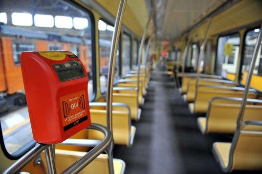 Aumentare-il-prezzo-dei-biglietti-del-trasporto-pubblico-pro-e-contro.jpg
