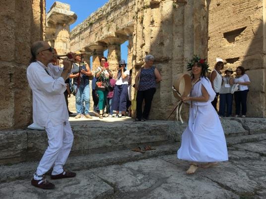 Synaulia nel tempio di Nettuno-.jpg