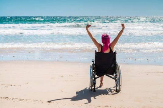 spiaggia_disabili_iStock-525028968-600x400