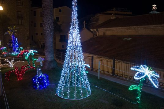 Luminarie di Castellabate.jpg