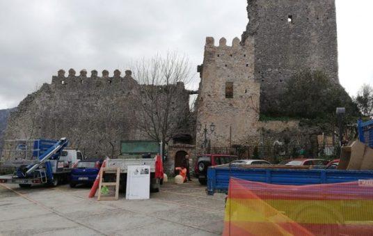 piazza_castello_camerota-650x412.jpg