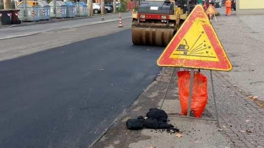 lavori in corso stradali asfalto asfaltatura 1-2.jpg