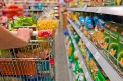 trucchi-supermercati-convincere-cliente-comprare-spendere